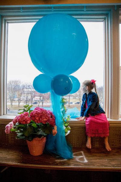 Large tassel balloon